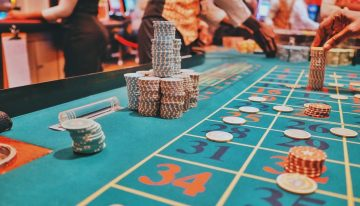 How can online casino games help you in winning a lot of money?